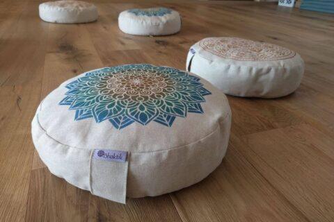 Meditační polštářky s mandalou